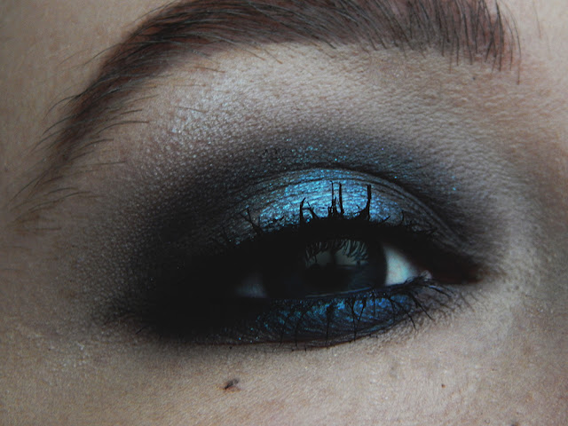 Cool Toned Grunge Makeup Look