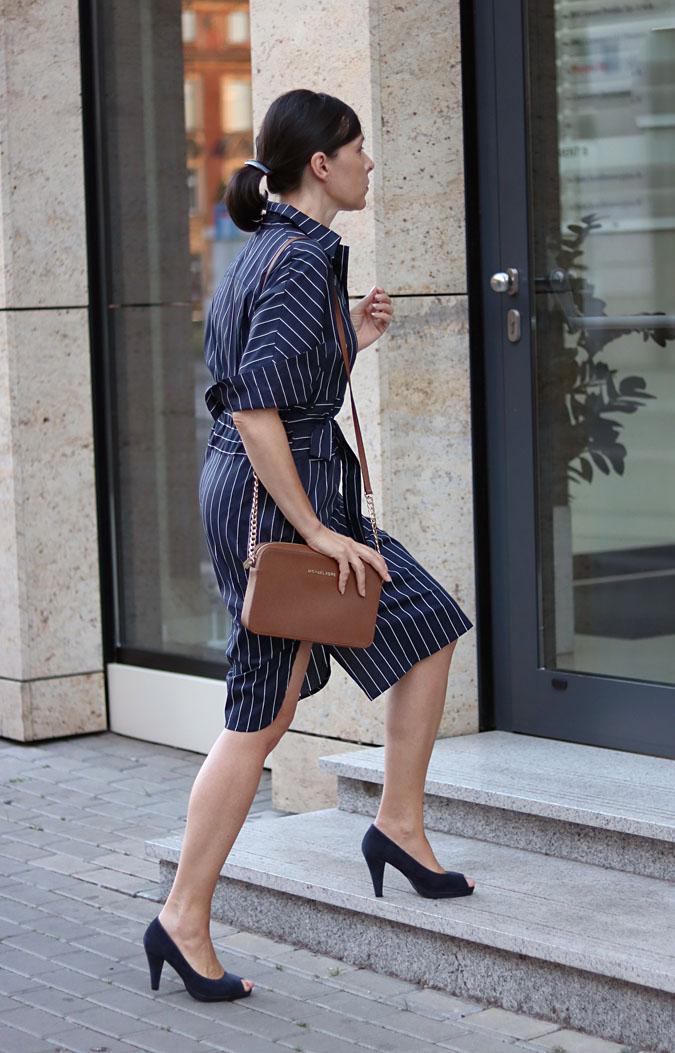 letnie sukienki do pracy w banku