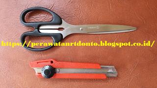Gunting dan pisau cutter