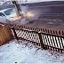 Condutor perde controlo do carro e bate violentamente contra um poste