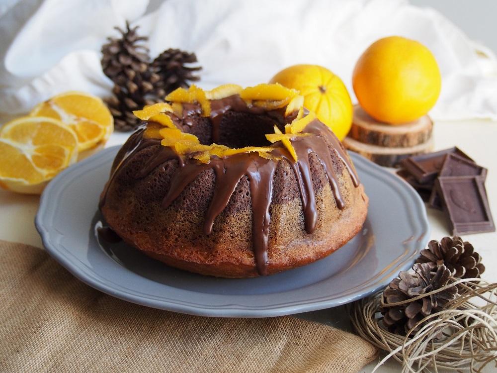 Bundt Cake bicolore arancia e cacao
