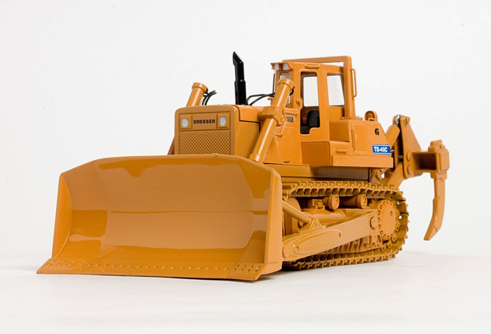 Dresser Tractors and CCM's First Diecast Model - Classic