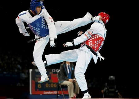 Membakar Timbunan Lemak Dalam Tubuh Melalui Olahraga Taekwondo