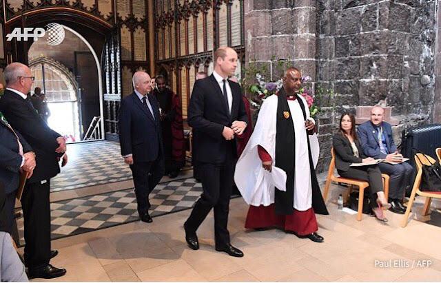 Książę William na nabożeństwie upamiętniającym 1.rocznicę zamachu terrorystycznego w Manchesterze