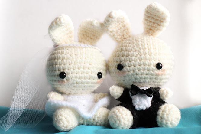 Amigurumi Wedding Bunnies