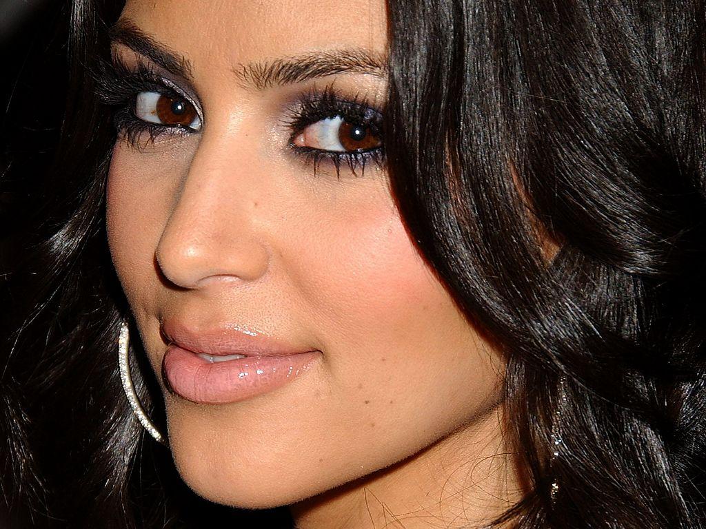 wallpaper: Kim Kardashian Wallpapers