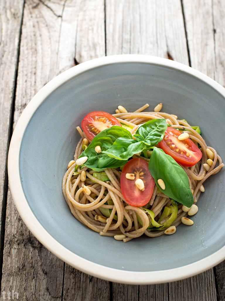 Spaghetti z cukinią makaron wegański blog roślinny