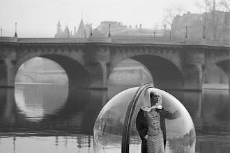 Photo : L'histoire de la série Women in bubble de Melvin Sokolsky pour Harper's Bazaar 1963