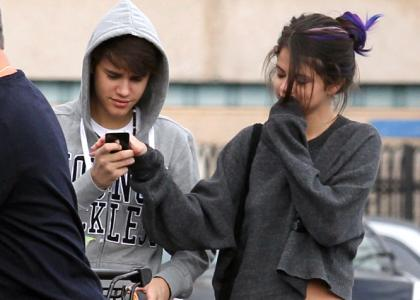 who is justin bieber dating august 2012