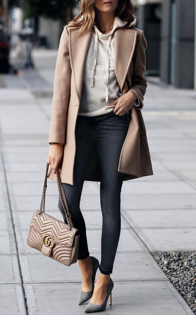 trendy fall outfit / nude coat + sweatshirt + bag + skinnies + heels