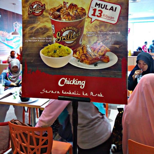 Menikmati Cita Rasa Ayam Bakar & Nasi Kuning Khas Chicking