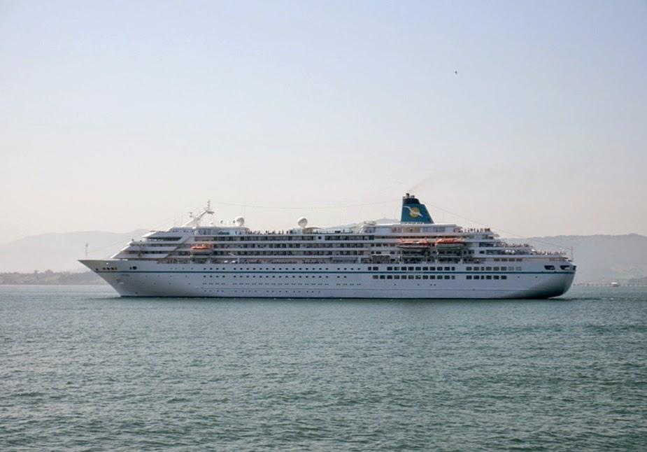 DESTINOS - Benidorm recibe su primer crucero