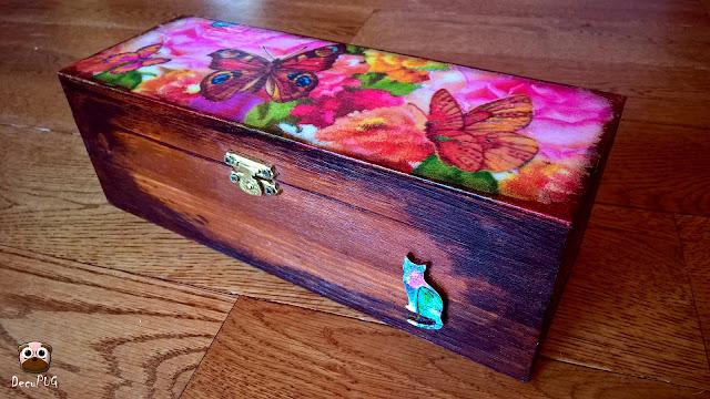 #82 Herbaciarka w motyle