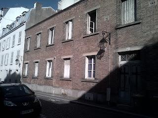 Ambiance village, façade en brique  Buttes-aux-Cailles