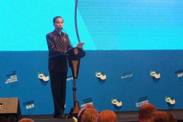 Telak! Kata Jokowi, Hoax Jangan Diviralkan, Netizen: Pak Jokowi, Hoax Jangan Dipidatokan!