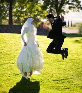 Untuk Para Suami, Istrimu Juga Memerlukan Hiburan Lho!