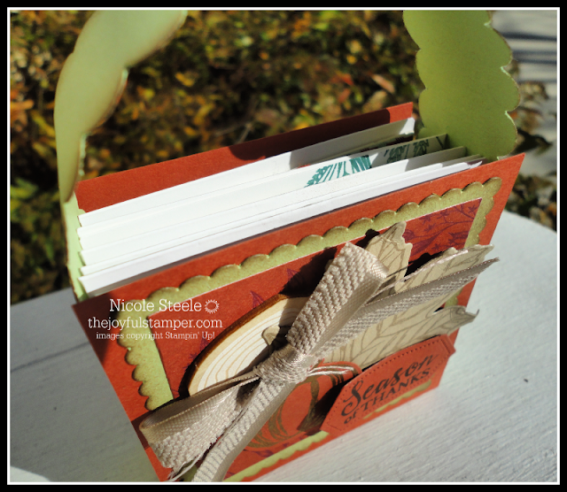 Peek inside of 3x3 note card tote