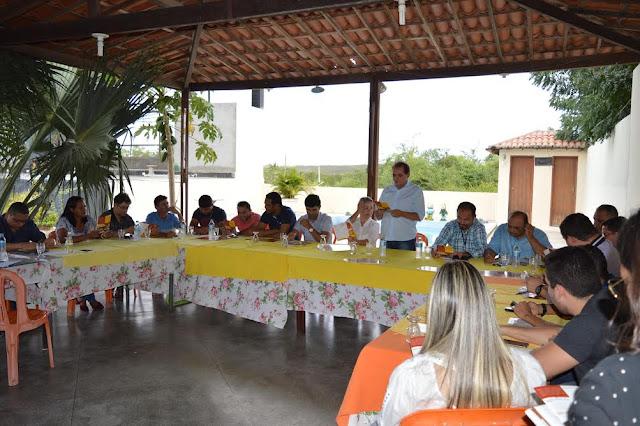 Candidato a prefeito Valdo Sandes reúne-se com imprensa e apresenta Plano de Governo
