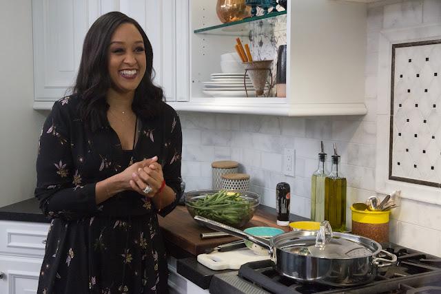 """Temporada inédita de """"Tia Mowry em Casa"""" traz novos truques para transformar culinária do cotidiano."""