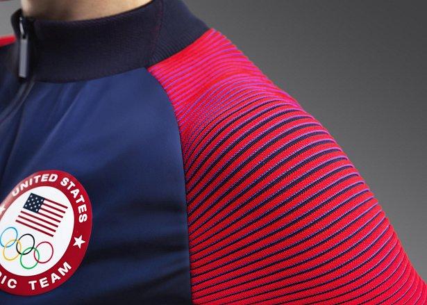 82c85704a795d A Classic Football Shirts possui a maior coleção de camisas internacionais  de futebol. A loja faz entregas no mundo todo e usando o cupom