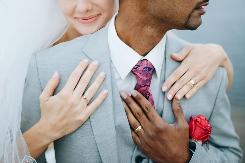 detaļas gredzeni rokas
