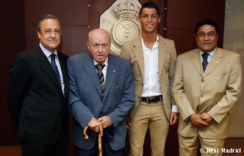 الرئيس الدي انقذ ريال مدريد من الافلاس واعاد له الهيبة قاريا