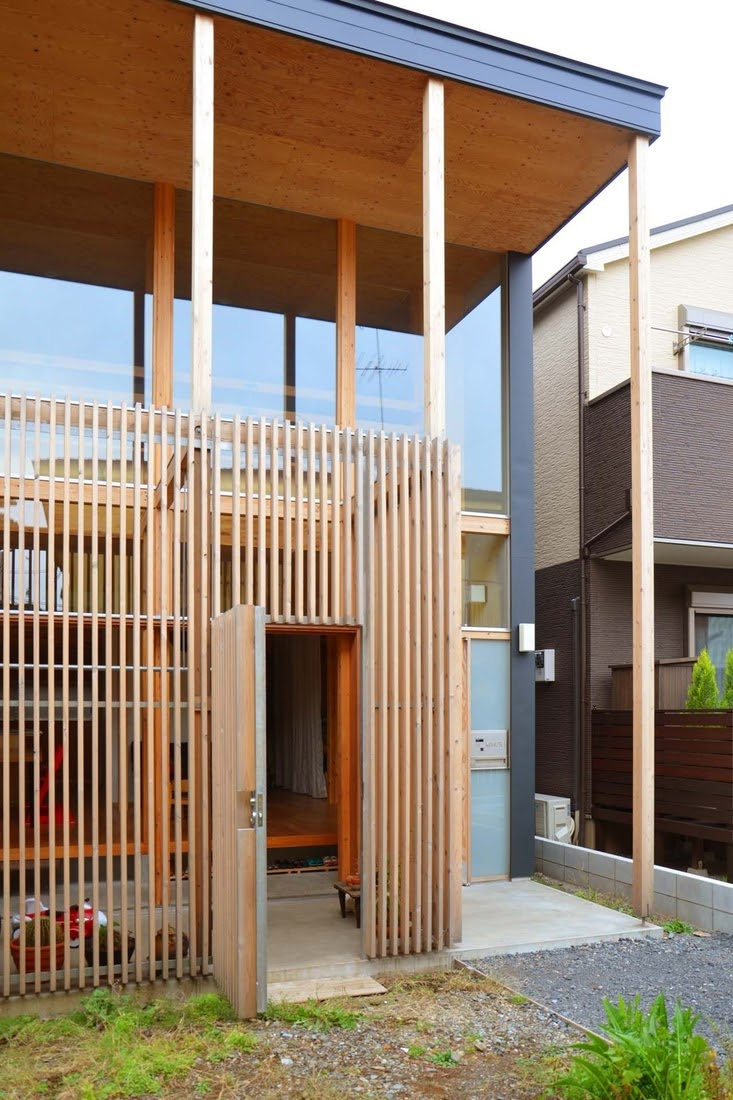 02-Internal-Courtyard-Mizuishi-Architects-Atelier-Light-and-Airy-House-in-Japanese-Architecture-www-designstack-co