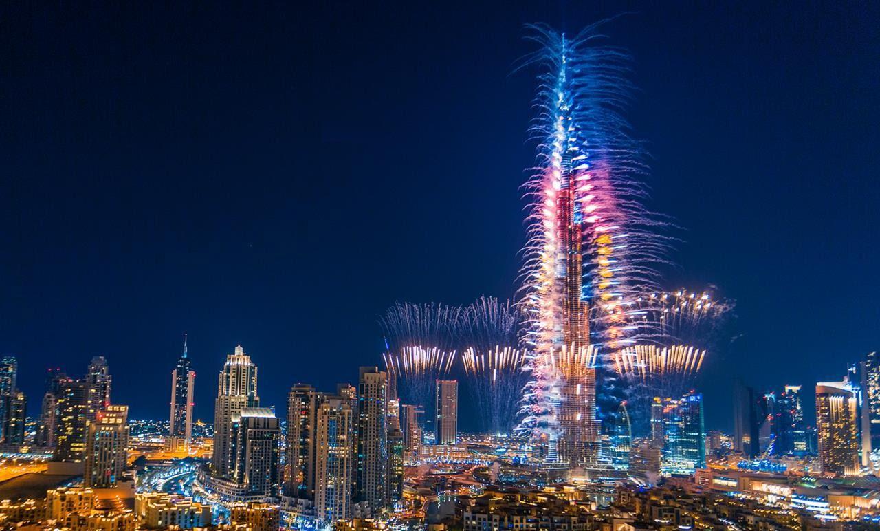 بث مباشر برج خليفة | مشاهدة احتفالات ليلة رأس السنة 2019 في دبي بث مباشر برج خليفة اون لاين افراح والعاب نارية تتزين بها سماء الامارات الان