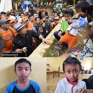 Ridwan Kamil bertemu dengan dua anak yatim piatu korban bencana longsor dan menemui anak kakak beradik, Hengki dan Farel, Rabu (2/1/2018)