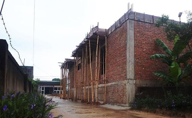 Bí thư xã ở Hà Tĩnh bị yêu cầu tháo dỡ nhà xây lấn đường