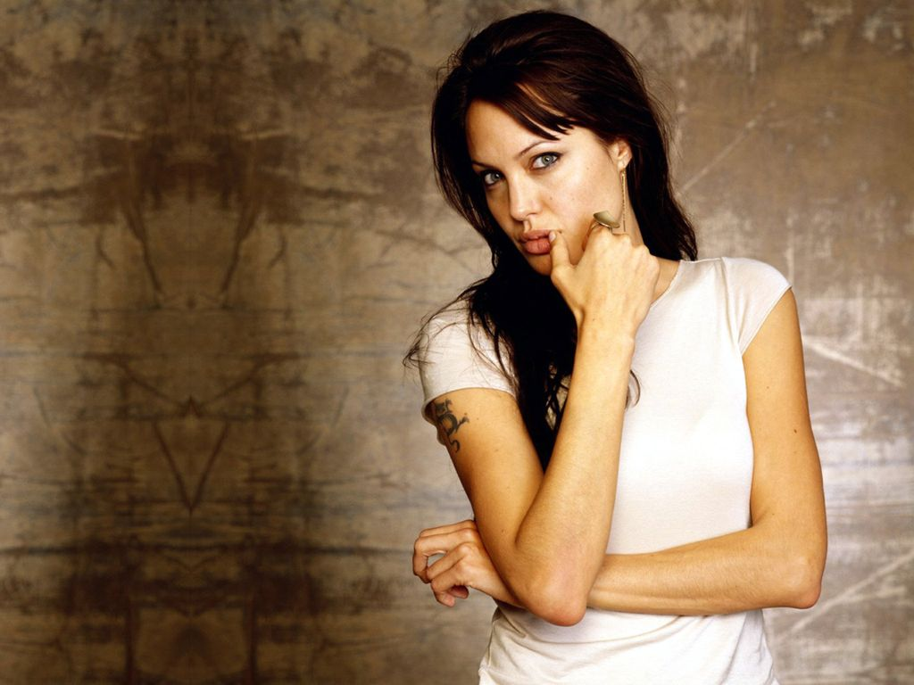 Angelina Jolie Hd Wallpapers: Angelina Jolie New HD Wallpapers 2013