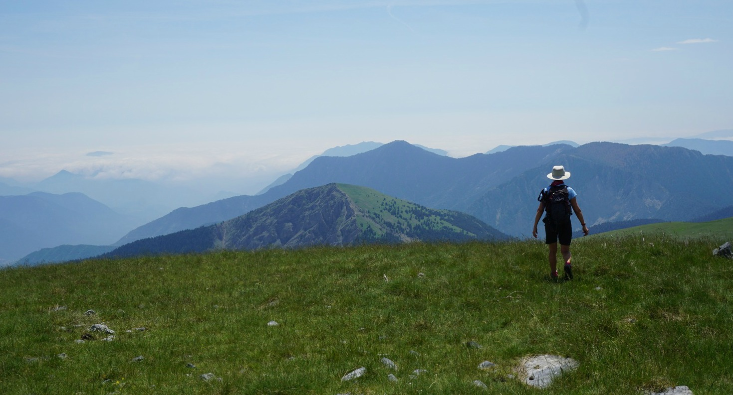 Leaving the summit of Lauvet d'Ilonse