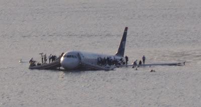 pesawat yang jatuh di sungai Hudson