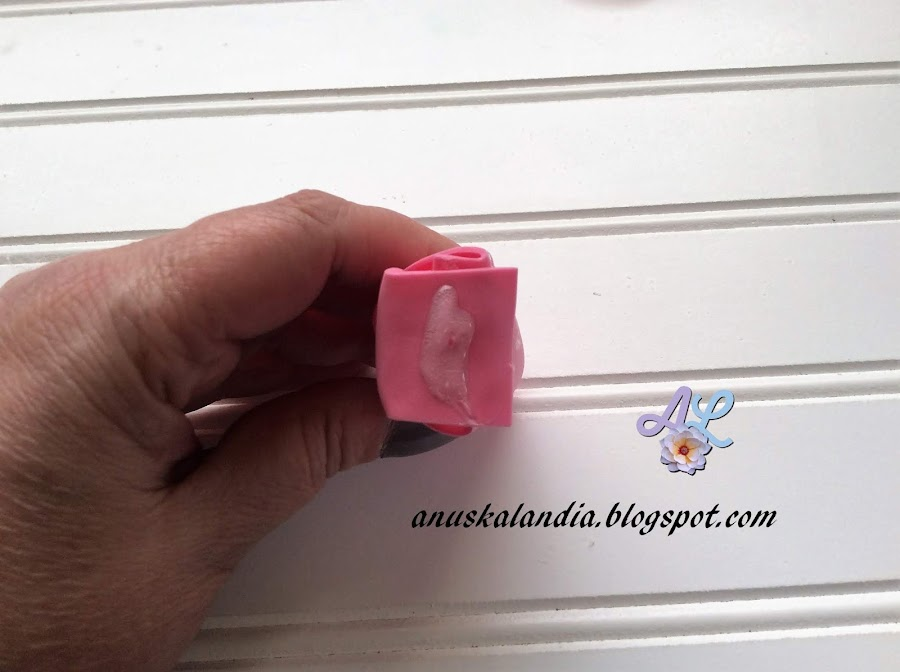 Rosa-gigante-en-goma-eva-o-foamy-14-silicona-caliente-parte-baja-Anuskalandia