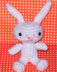 http://web.archive.org/web/20081025042110/http://pepperberry.typepad.com/my_weblog/snow-bunny-pattern.html