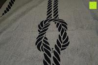 """graue Seite Knoten: ZOLLNER hochwertiges Strandlaken / Strandtuch / Badetuch 100x200 cm marine-weiß, in weiteren Farben erhältlich, direkt vom Hotelwäschehersteller, Serie """"Marina"""""""