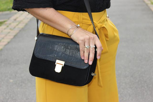 jupe culotte moutarde zara, perfecto noir, top dentelle Naf naf, escarpins noirs vernis vanessa w