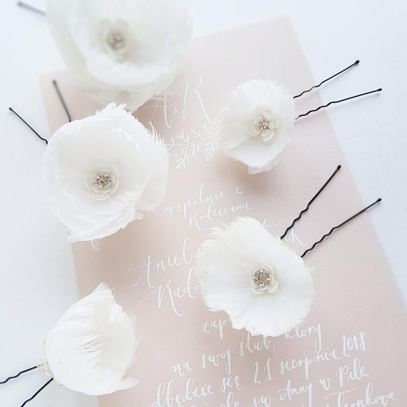 Kwiatowe spinki ślubne