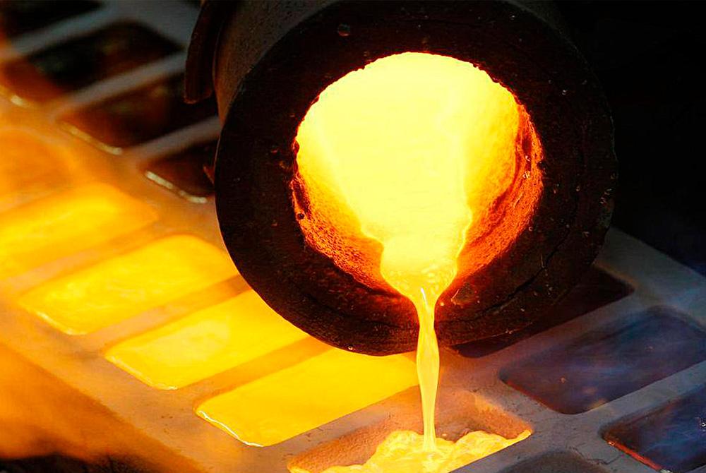 Você sabe o que é o banho de ouro utilizado em semijoias? Conheça um pouco mais sobre este processo e o que determina o qualidade de uma semijoia.