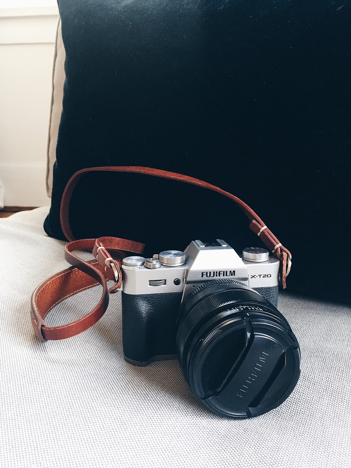 fuji mirrorless camera