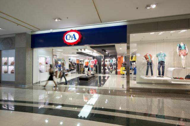 04e35d3ae4b80 No dia 30, a C A inaugura sua primeira loja no Tocantins, no Shopping Capim  Dourado, em Palmas. Com a abertura, a maior rede de varejo de moda  brasileiro ...