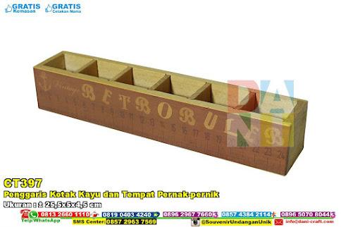 Penggaris Kotak Kayu Dan Tempat Pernak-pernik
