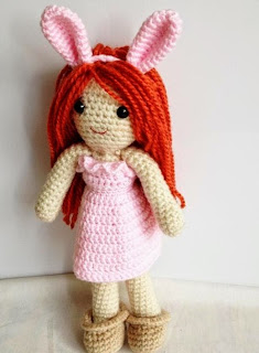 http://www.craftsy.com/pattern/crocheting/toy/yaprak-dess--happy-easter/49704