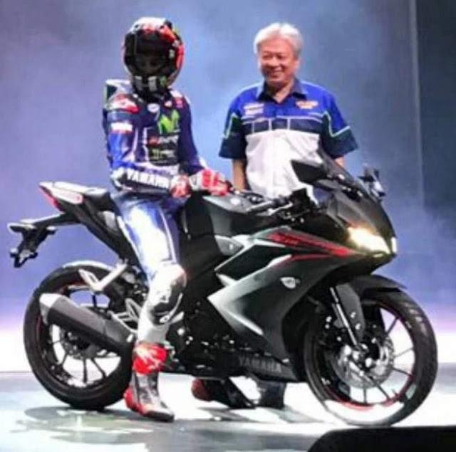 Yamaha-YZFR15-black-MV25