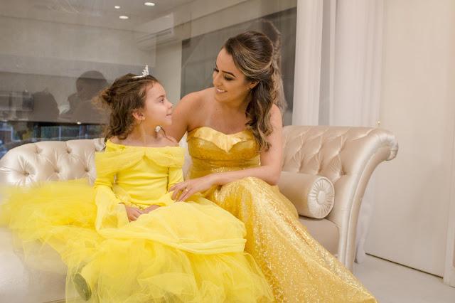 mãe e filha princesas