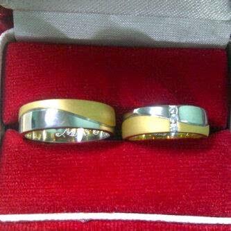 Ragam Cincin Foto Cincin Tunangan Di Dalam Kotak