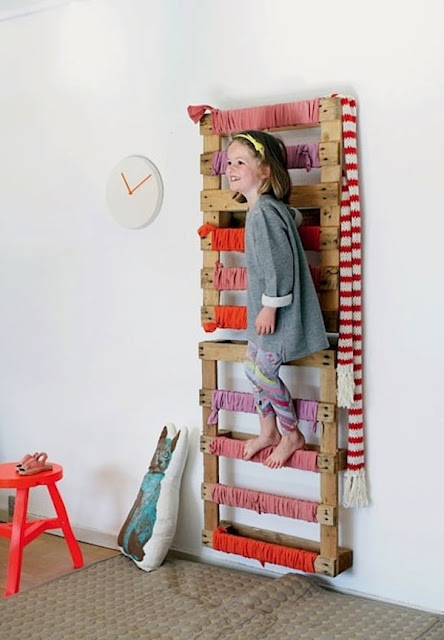 Pallets For Decorating Children's Rooms 12