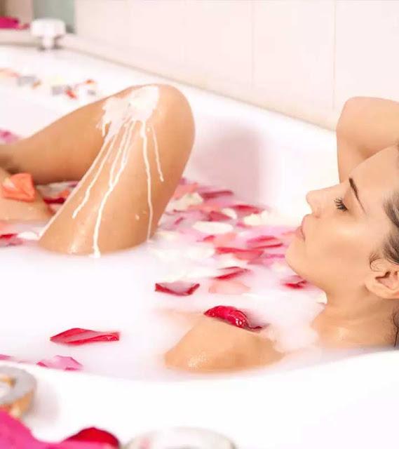 4 Amazing Benefits Of Milk And Honey Bath