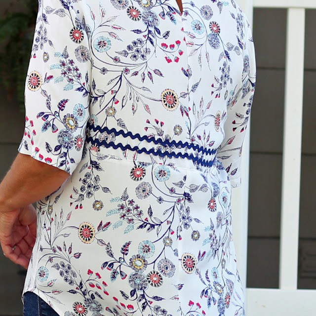 Style Arc Dixie Woven Top using Style Maker Fabrics floral and rick rack trim