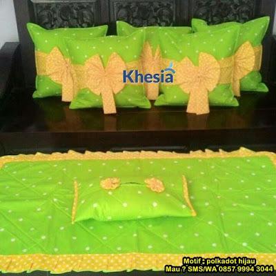 bantal untuk sofa